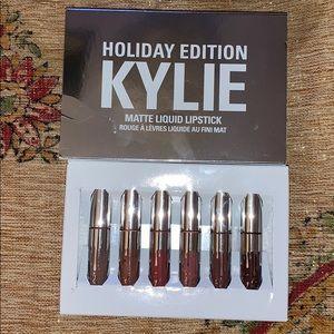 Kylie cosmetics holiday liquid lipstick set
